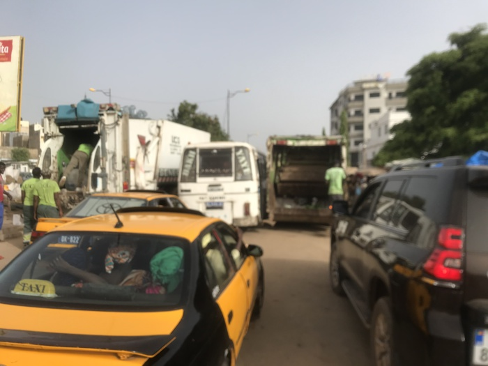 Ramassage d'ordures : Quand des camions de l'UCG entravent la circulation