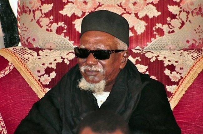 Idrissa Seck en visite chez le Khalife Général des Mourides, et coïncide avec une coupure