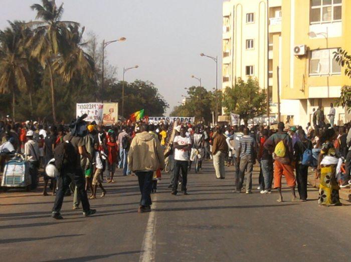 La souveraineté et l'indépendance en question, au Sénégal.