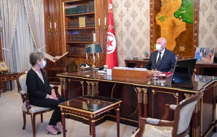 Tunisie : Le président Kaïs Saïed nomme une sexagénaire à la tête du gouvernement.