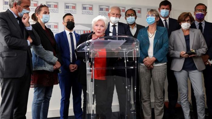 France / Nouveau débat autour de l'euthanasie : « Nous avons le droit de mourir dans la dignité » (Line Renaud).