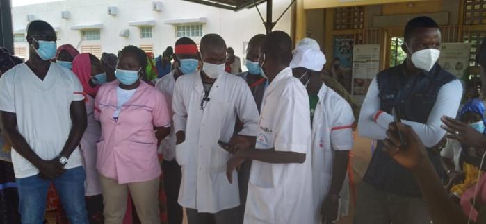 KÉDOUGOU/SARAYA : Le personnel de santé exige le départ du médecin chef de district