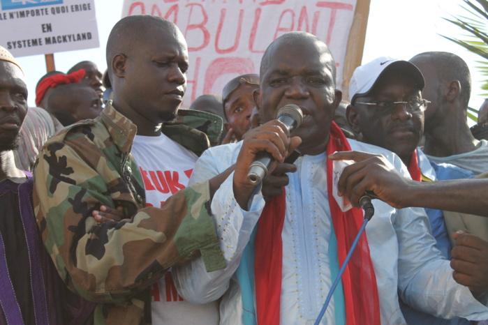 Les premières images de la marche de l'opposition