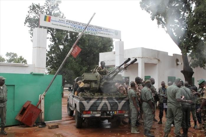Mali: nouvelle hiérarchie militaire au camp de Kati