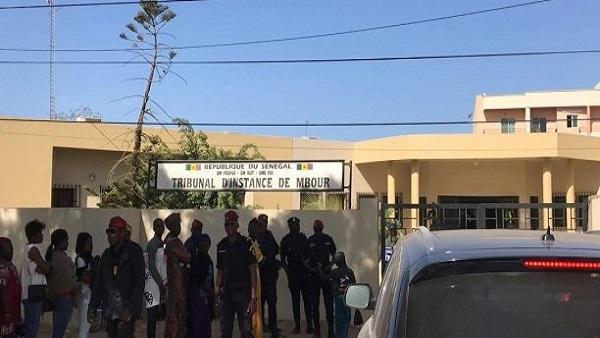 Tribunal de grande instance de Mbour : Le marchand ambulant Thierno Khoureychi Sall condamné pour avoir battu sa mère.