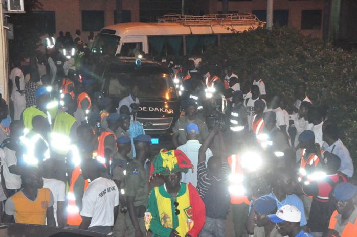 Arrivée de la dépouille mortelle de Abdoul Karim Bruno Metsu (IMAGES)