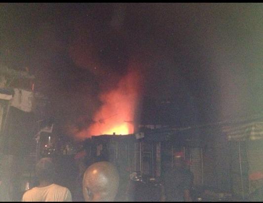 Dernière minute: Le marché sandaga en feu