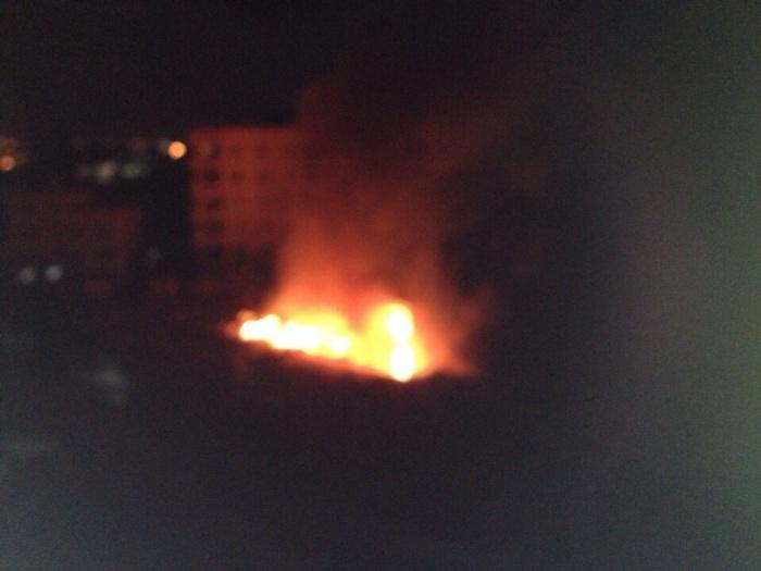Sandaga en flammes: Des jeunes huent tous ceux qui bougent (VIDEO)