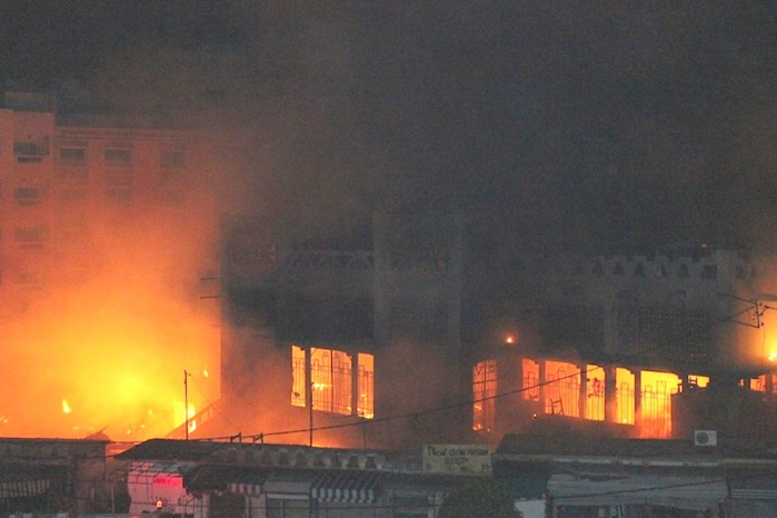 Suspicions autour d'un incendie : Qui a intérêt à bruler le marché Sandaga ?