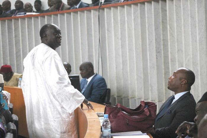 Prise de parole de Me El Hadj Diouf : L'avocat peu bavard