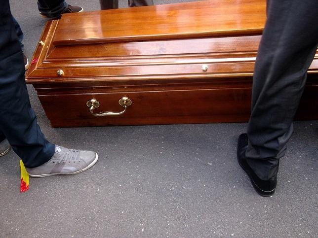 Les images de la levée du corps de Hamath Sall à l'hôpital Lariboisière