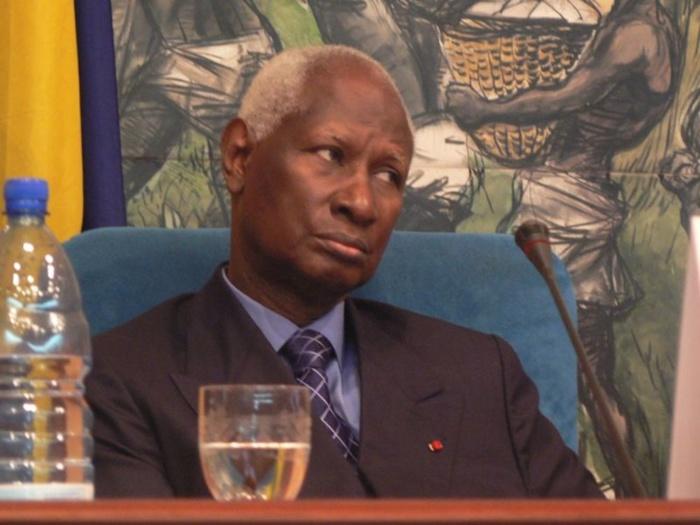 Clôture du Sommet France-Afrique Victime d'un malaise, Abdou Diouf sème émoi et désolation