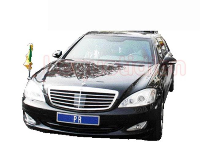 La voiture présidentielle en crevaison sur la route de l'aéroport: Un journaliste de Direct Info embarqué pour avoir voulu prendre des photos