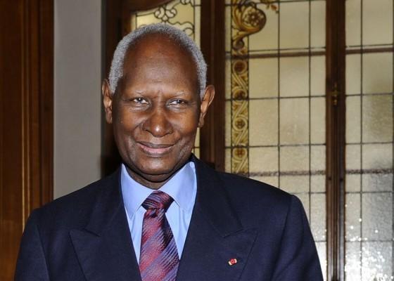 Abdou Diouf rentre à Paris ce soir