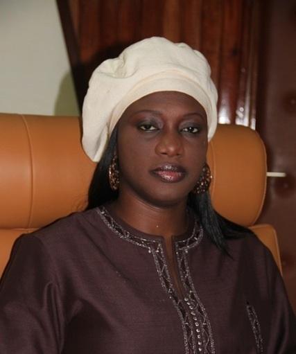 """«Nous dans nous» gouvernemental L'ancienne ministre Arame Ndoye devient la """"niarel"""" de Serigne Mbaye Thiam"""
