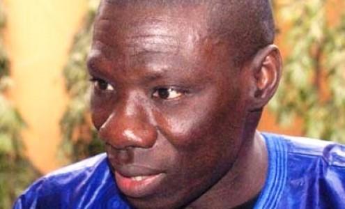 Après avoir attaqué Ndèye Fatou Ndiaye de Walf, le conseiller du Président de la République taxe la presse privée de partisane: Abdou Aziz Diop s'en prend au présentateur de Sen Tv