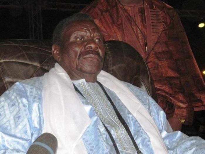 """Devant une foule monstre de disciples  Cheikh Bethio déclare:  """" Désormais, Sen Tv devient Sunu Tv, nous Thianta; """"kugnu ko rimbax gnu timbaakh lakoo (...)"""""""