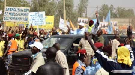 Mobilisation folklorique de militants: Macky pas à pas sur les traces de Wade