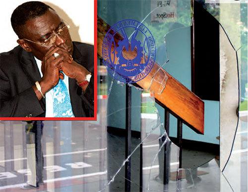 Un malien doctorant compte porter plainte contre les - Porter plainte contre l administration ...