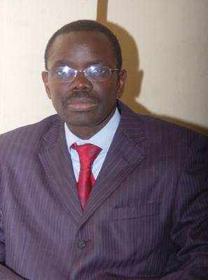 """En vue de soutenir le lutteur Eumeu Sene Le maire Pape Sagna Mbaye """"dégaine"""" 3 millions CFA"""