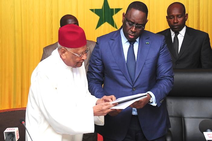 Monsieur le président Macky Sall, le Doyen Makhtar Mbow et son équipe méritent plutôt des félicitations et le respect, que des invectives de vos partisans.
