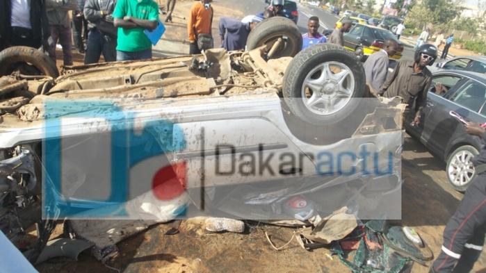 Un accident bizarre fait deux blessés graves sur l'autoroute (VIDEO)