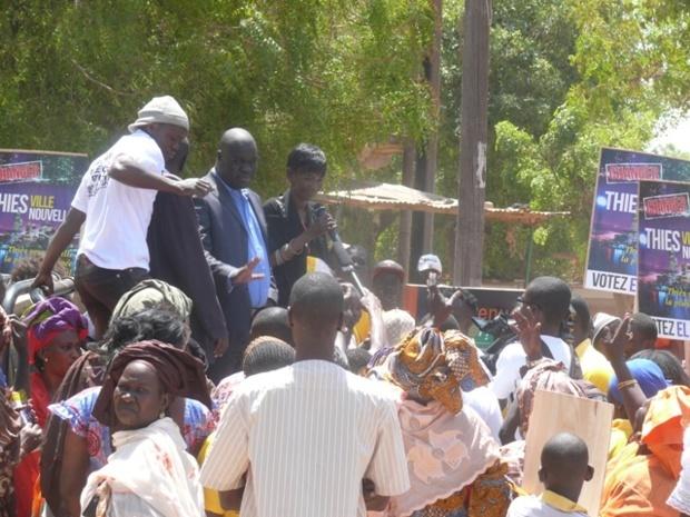 Le candidat El Malick Seck entame sa campagne de proximité à Thiès (PHOTOS)