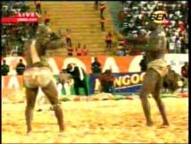 Victoire de Ama Nekh  sur Moussa Dioum