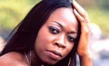 La chanteuse Aby Ndour victime de cambriolage.
