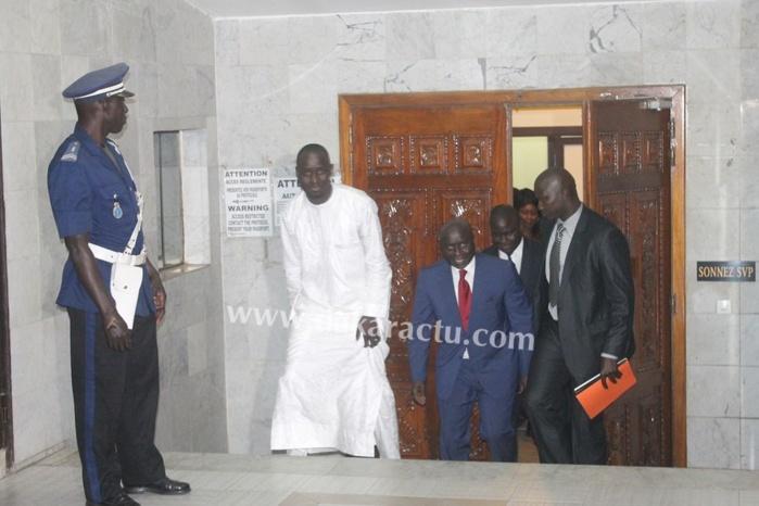 Les images de l'arrivée d'Idrissa Seck au Salon d'honneur de l'Aéroport international Léopold Sédar Senghor