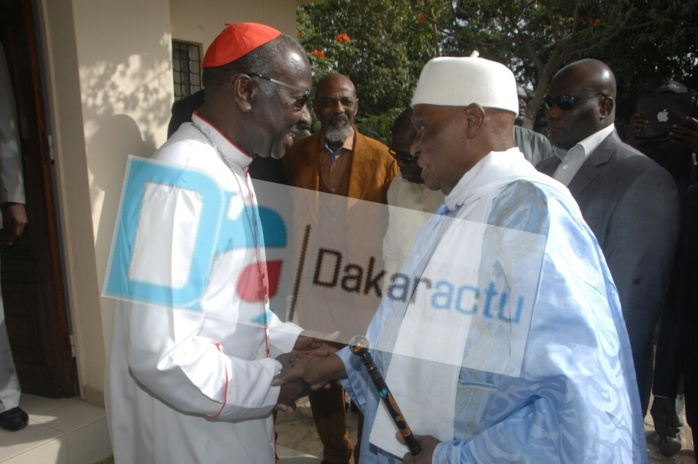 Suite de sa tournée chez les religieux :  Abdoulaye Wade visite le Cardinal Théodore Adrien Sarr