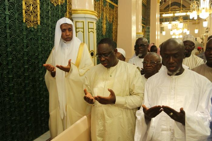 Le Président Sall au Mausolée du Prophète Mohamed