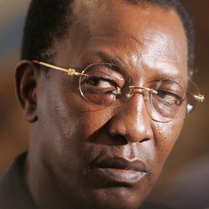 Pourtant Idriss Déby avait aussi fait des pas en avant, pour ralentir ensuite…