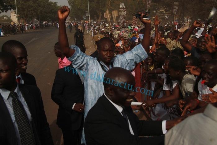 Idrissa Seck et toute l'équipe municipale à l'accueil du président Macky Sall cet après midi à Thies