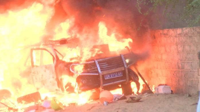 Touba- Deux maisons de Cissé Lô brûlées, sa boulangerie et son 4X4 réduits en cendres… Les petits-fils de Serigne Touba parlent d'avertissement