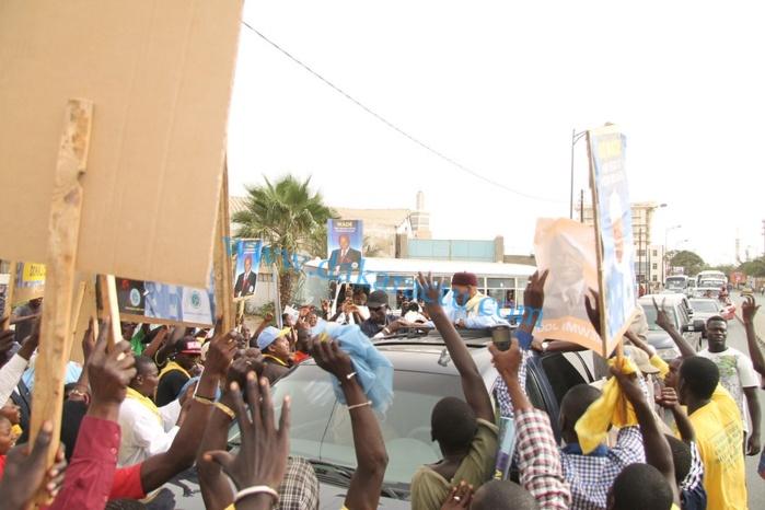 Marche bleue des libéraux, la police annule l'étape du Plateau