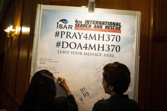 Vol MH370: l'avion vraisemblablement en pilote automatique, les recherches déplacées
