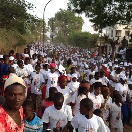 Les images de la caravane de Abdou Mbow aujourd'hui à Thiès