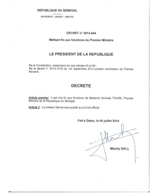 ( DOCUMENT) Le décret présidentiel mettant fin aux fonctions de Mimi Touré à la tête du gouvernement