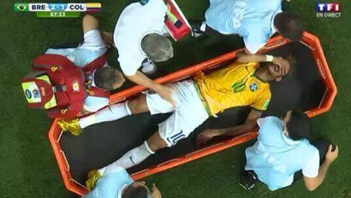 Blessure Neymar: le Brésil retient son souffle