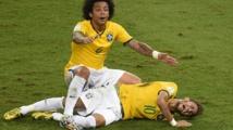 Le brésilien Neymar, victime d'une fracture de vertèbre, forfait pour la fin du Mondial