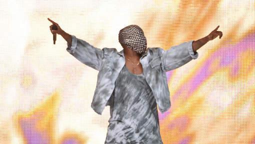 Kanye West hué en concert