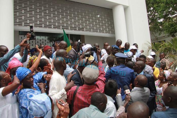Les images de la passation de service entre Aminata Touré et Mahammed Dionne à la Primature