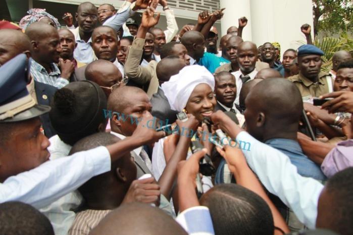 Réaction d'Aminata Touré après sa passation de service avec Mahammed Dione (Radio)