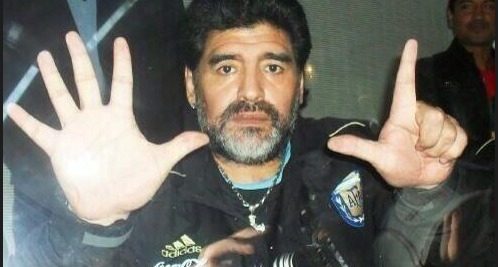 Maradona se moque du naufrage brésilien