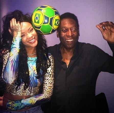 Rihanna s'éclate au Brésil avec Pelé
