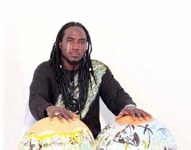 Découverte  Ibou Heavy Man ambitionne d'imposer  le « tradi-acoustique » moderne