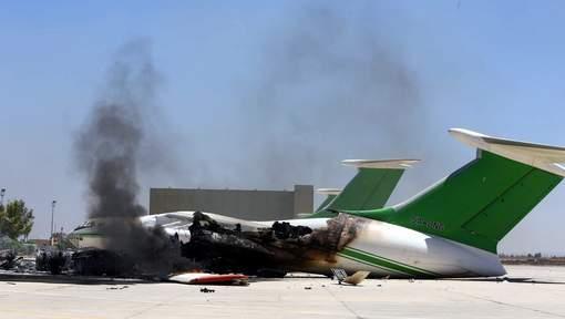 Violents combats à l'aéroport de Tripoli