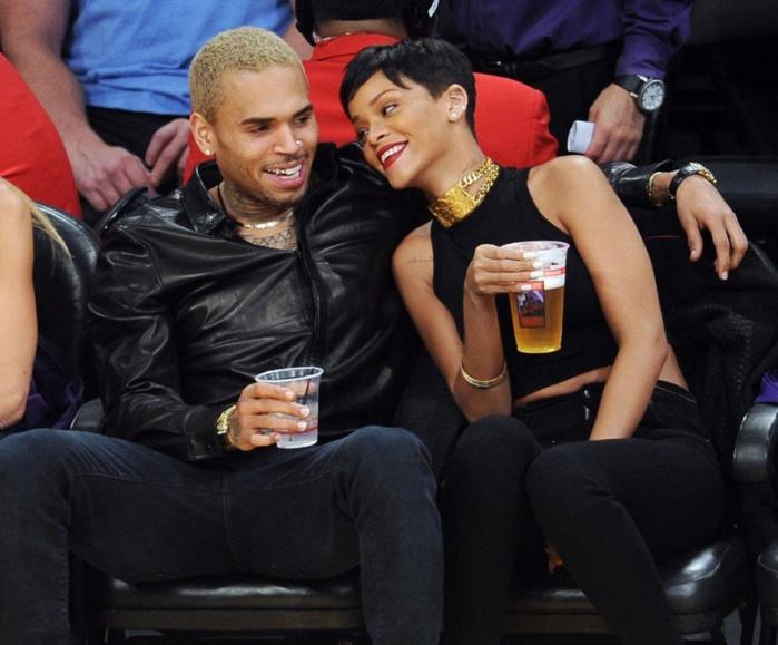 Chris Brown : il a craqué et a recontacté Rihanna !
