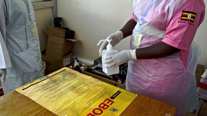 Ebola: un traitement expérimental canadien suscite l'intérêt des Américains